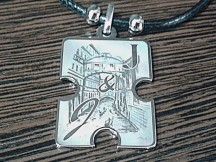 Гравировка на медальонах и брелоках